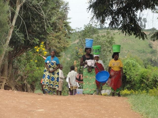 Kivu-See mit Wanderschuh